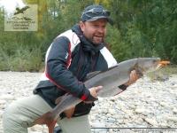 Рыбалка на тайменя на реке Мая