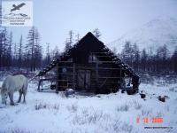 Изба у озера Тобо, Якутия