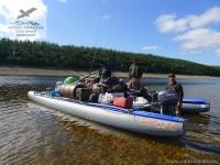 Грузовой катамаран на сплаве в Якутии